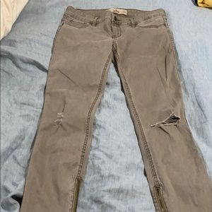 NWOT Hollister Skinny Khaki Jean Pants with zipper